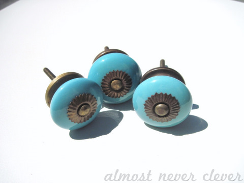 Zinnia knobs from Anthropologie.